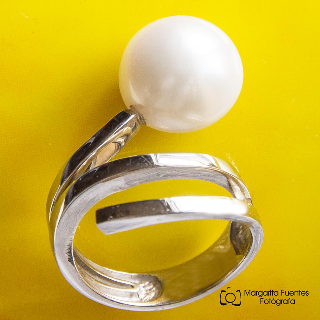 Perla con anillo oro blanco