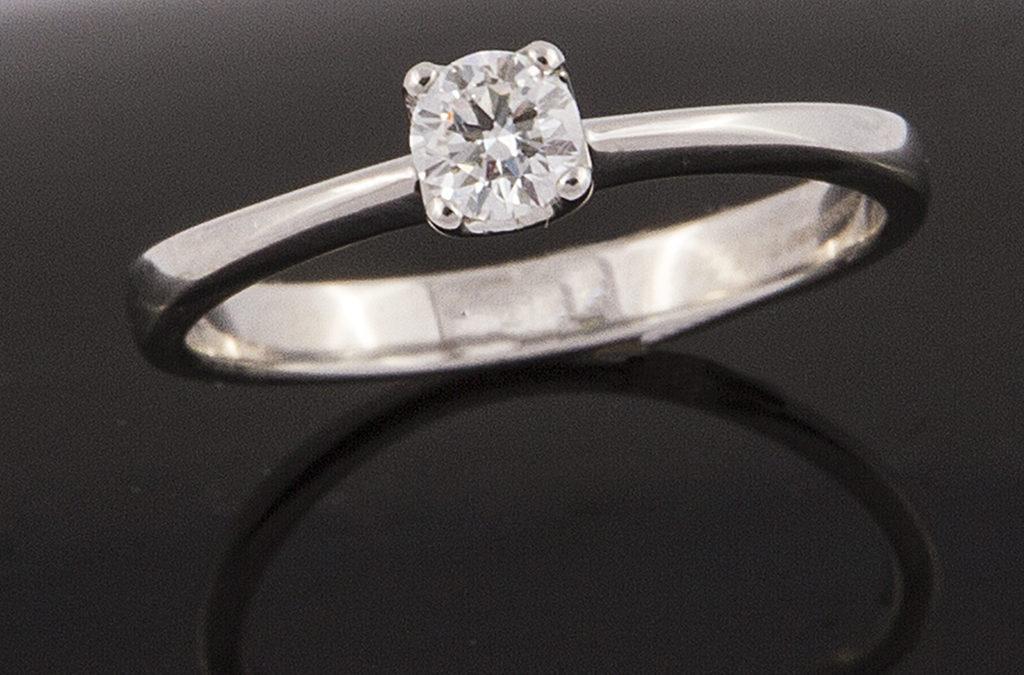 Diamante con platino III
