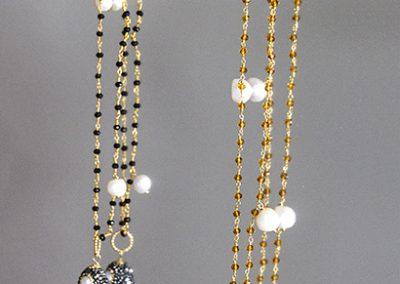 collares gemas y perlas